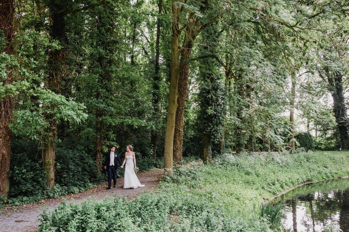 Bruiloft-eindhoven-trouwfotograaf-wedding-kasteel-wijenburg-echteld-bruidsfotograaf-roermond-weert-eindhoven-001-050