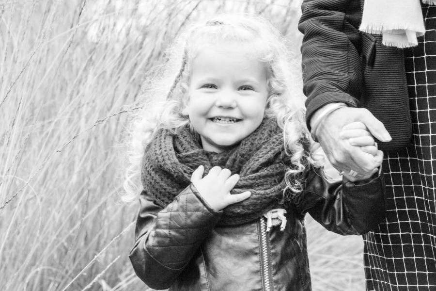 fotoshoot fotograaf Weert Limburg Roermond Eindhoven Nederweert studio studiofotograaf studioshoot lifestyleshoot lifestyle newbornshoot locatie kinderfotograaf kinderfotografie fotografie familieshoot loveshoot bruiloftsfotografie trouwfotograaf huwelijksfotograaf bedrijfsreportage shoot bruidsfotograaf bedrijfsshoot bedrijfsreportage zwangerschapsfotograaf babyfotografie portret
