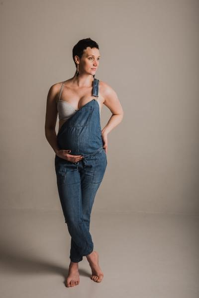 zwangerschapsshoot zwanger bolle buik fotostudio weert maastricht moodzfotografie zwangerschap vastleggen fotograaf roermond