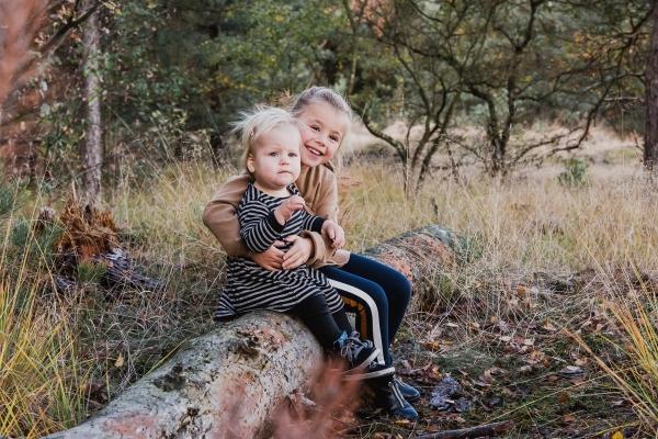 fotoshoot weert bos fotograaf familie bruiloft bruidsfotografie zakelijk bedrijven MOODZ fotografie kinderfotograaf portretfotograaf