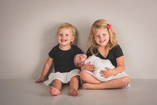 newbornshoot weert moodz fotografie nederweert baby newborn