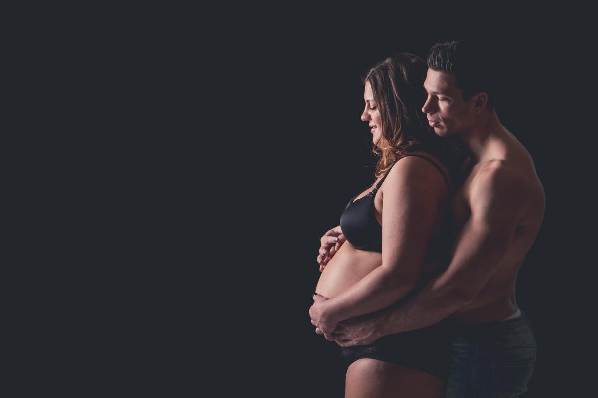 zwangerschapsshoot-fotoshoot-zwanger-bolle-buik-fotostudio-moodz-fotografie-weert-thorn-limburg-001