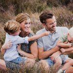 moodz fotografie fotoshoot familieshoot roermond haelen eindhoven familie gezin bos weert limburg brabant fotograaf spontane foto's niet geposeerd fotostudio moodzfotografie fotograaf venlo